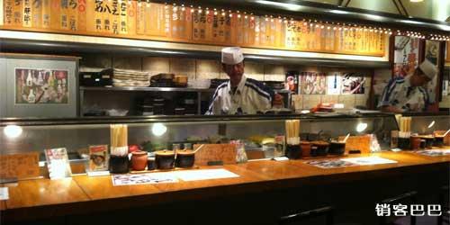 寿司店营销案例,打工仔借力餐馆,年赚百万!