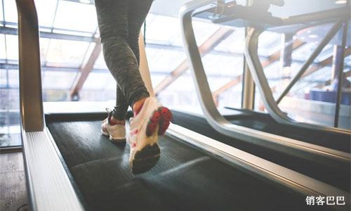 健身会所跑步不要钱,只要你坚持100天还有钱赚